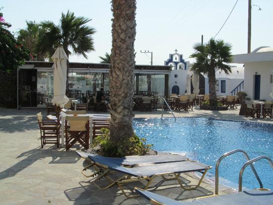 Hotel Mathios Village: Pool mit Restaurant