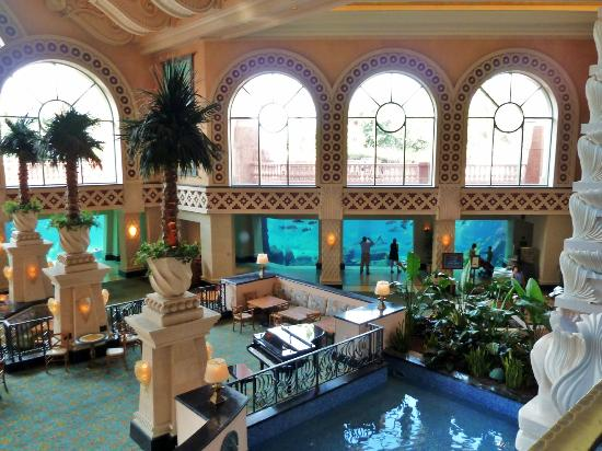 Atlantis, Royal Towers, Autograph Collection: main lobby