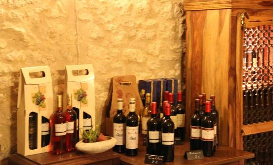 Famille Moutier: Wine can also be purchased