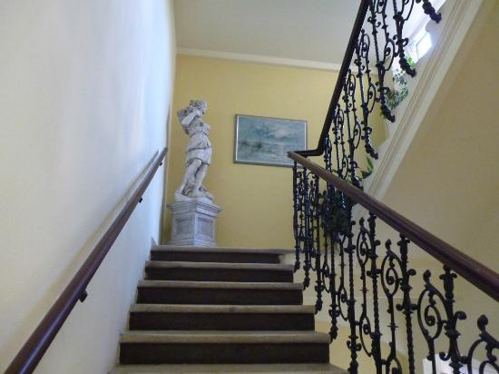 Pension Pharmador: Staircase