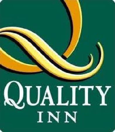 WOW Resort: Quality Logo