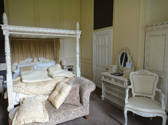 The Old Lodge: Room 9