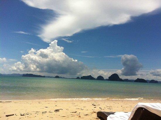 Amari Vogue Krabi: Beach at hotel