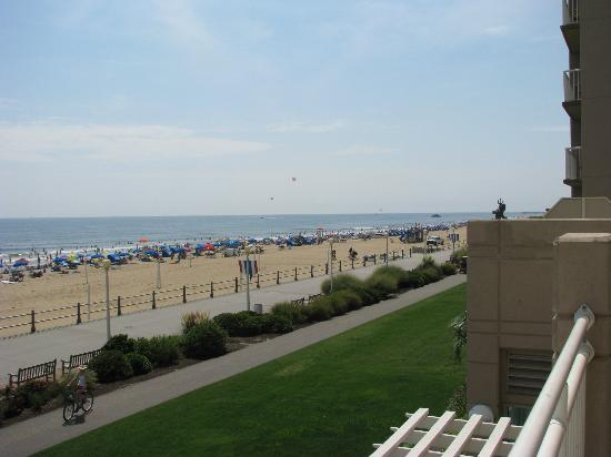 Residence Inn Virginia Beach Oceanfront: Beach