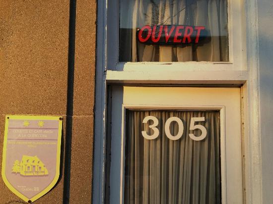 Couette et Cafe a la Quebecoise: 305, rue Dorchester, Québec