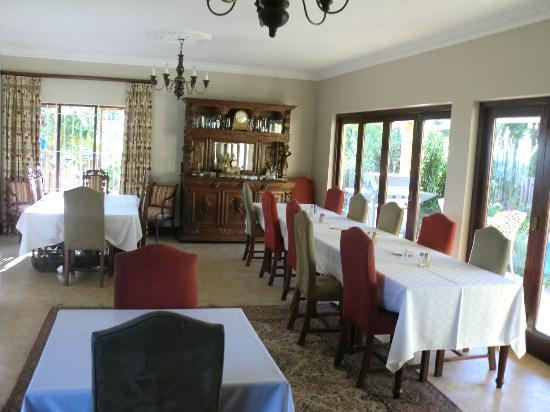 Hilltop Manor Bed & Breakfast: Breakfast and Dining