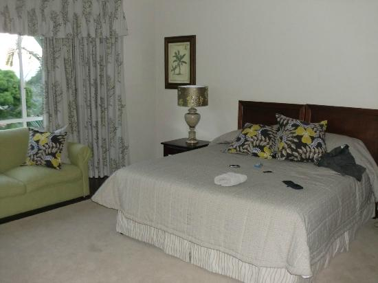 Hilltop Manor Bed & Breakfast: My room - exceptional !