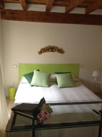 B&B Porta Aquila 33 : camera molto calda!!
