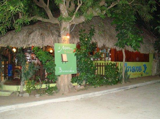 Restaurantde El Mare: Vista desde la calle