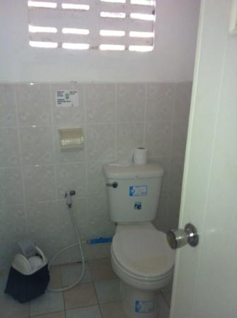 Blue Lotus Resort: bathroom