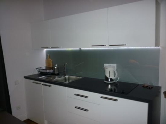 Pomaranczarnia  Hostel Apartamenty: habitacion