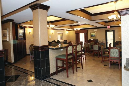 Holiday Inn Express & Suites - Medical District: Breakfast/Dining Area