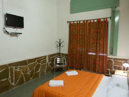 Los Jardines Colgantes de Babilonia Hostel Montevideo: Habitación privada
