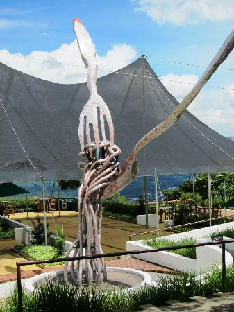Hotel Museo Spa Casa Santo Domingo: Art sculpture by the restaurant