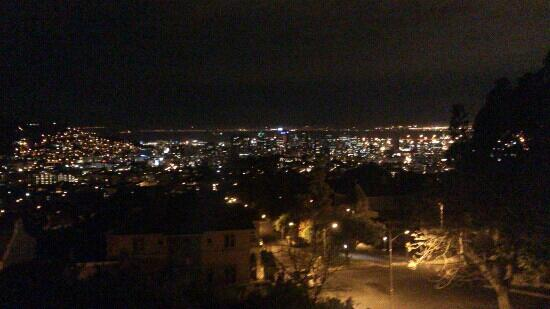 De Tafelberg Guesthouse: View at Night