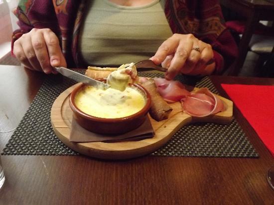 Restaurant Le Siralys : la fondue de chaource un vrai plaisir