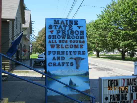 Maine State Prison Store: Roadside sign