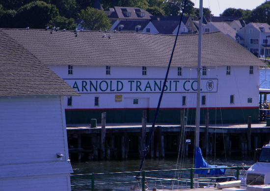 Star Line Mackinac Island Ferry: Arnold Transit
