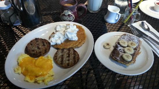Egg Harbor Cafe: An eggcredible breakfast