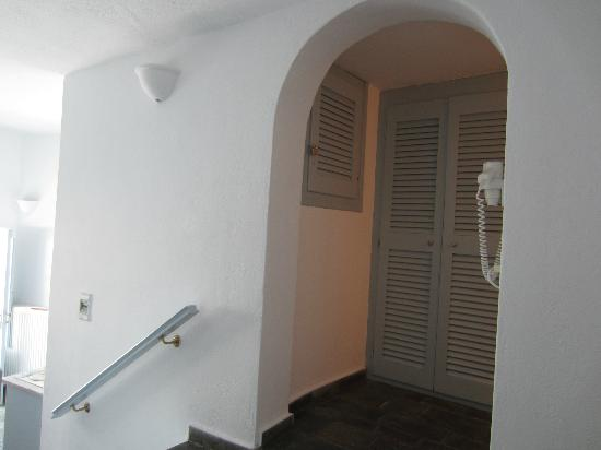 Whitedeck Hotel: Closet