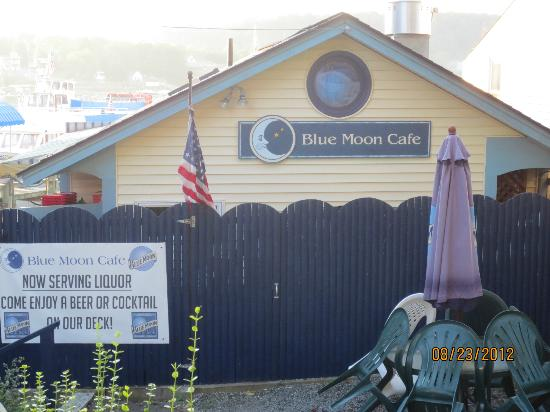 Blue Moon Cafe: Restaurant