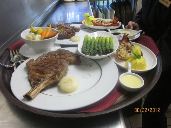 Club Grille Steak House: Prime Ribeye,Grilled Lobster tails,Grilled asparagus