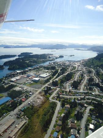 Kingfisher Aviation: Kodiak City on a nice summer day from above!