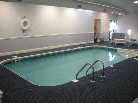 The Yankee Clipper Inn: indoor pool and spa