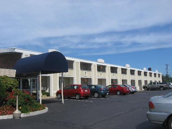 BEST WESTERN Merrimack Valley: front