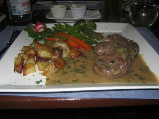 La Bussola Restaurant: The Toothsome Beef Tenderloin