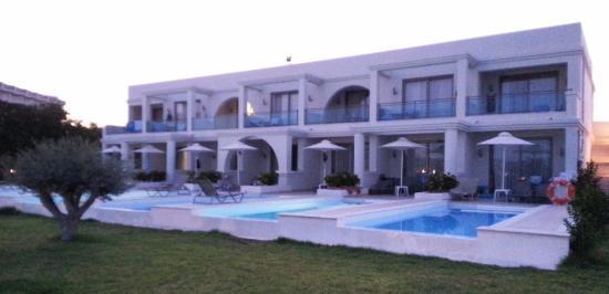 Sharing Pool Zimmer Hotel Calypso Palace