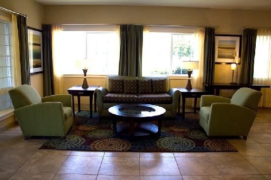Holiday Inn Express Portland East-Troutdale : Lobby