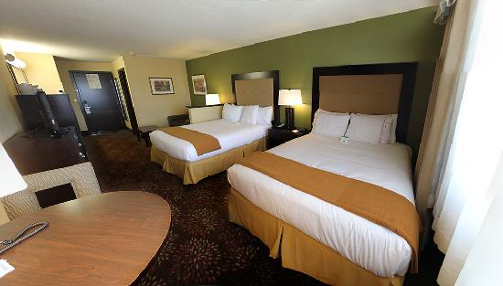 Holiday Inn Express Portland East-Troutdale : Two Queen Room