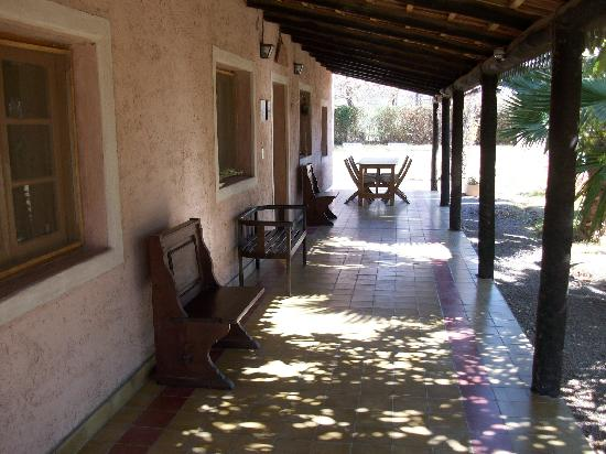 Posada Cavieres Wine Farm: entrance