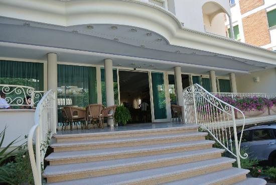 Hotel Continental: facciata4
