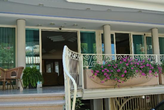 Hotel Continental: facciata5