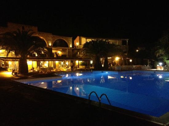 Hotel Costa dei Fiori: Cena a bordo piscina