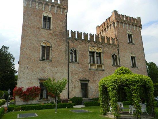 Castello Bevilacqua: il castello