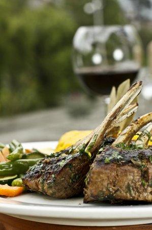 Vino & Olivo: Rack de Cordero // Rack of lamb