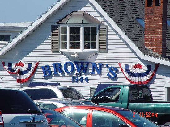 Brown's Wharf Inn: Browns restaurant since 1944