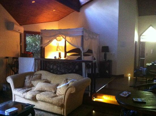 Escarpment Retreat: Our amazing room