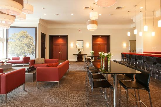 Ramada Rock Hill at Sullivan Center: Lobby and bar area.