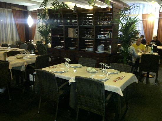 Sesto San Giovanni, Italy: Sala interna