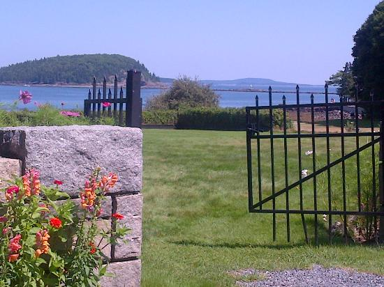 Balance Rock Inn: View from the pool