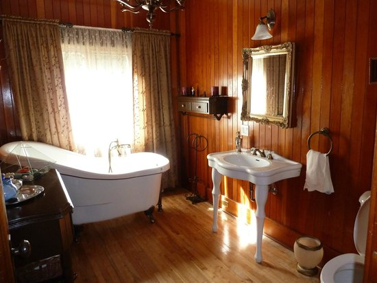 Serenita Spa Auberge : salle de bain