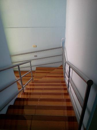 Hotel Guima: Escaleras de los Pasillos
