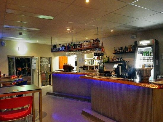 Zenbah Cafe & Beach Bar: Great Bar