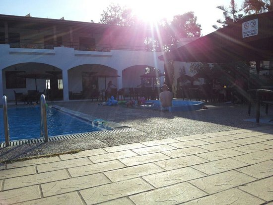 Vallian Village Hotel: The children's pool
