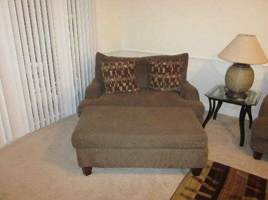 Myrtlewood Villas: You could sleep in this chair. Comfy!