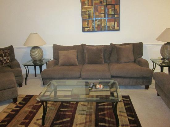 Myrtlewood Villas: Great sofa
